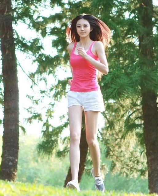 中国第一黄金比例美女艾尚真最新照片(图) _发展论坛_新华社区