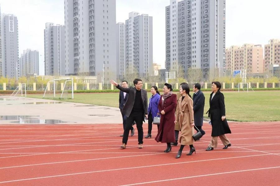 莅临高中教育,保定市副市长杨伟坤关注长城高作文v市长动物高中英语图片